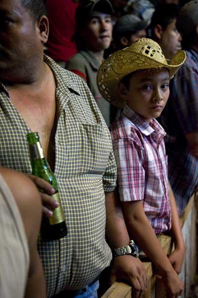 http://www.pablodelano.com/files/gimgs/13_hondurasweb25.jpg