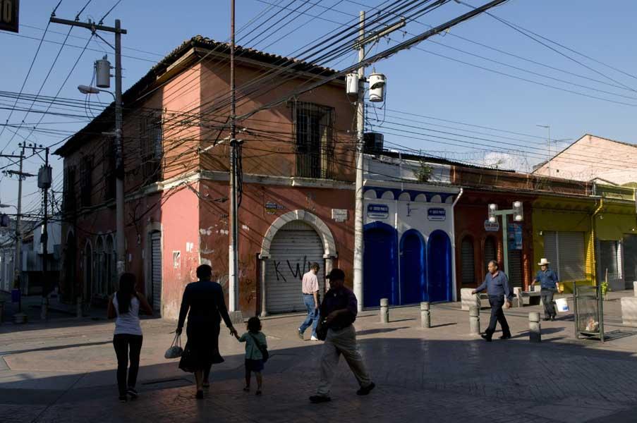 http://www.pablodelano.com/files/gimgs/13_honweb15.jpg