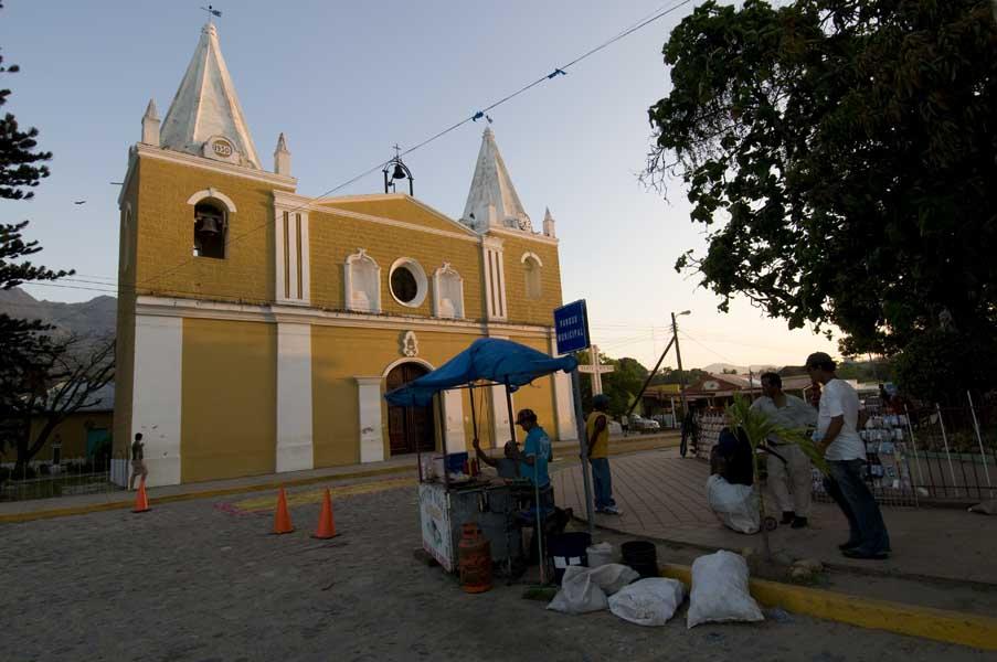 http://www.pablodelano.com/files/gimgs/14_hondurasweb19.jpg