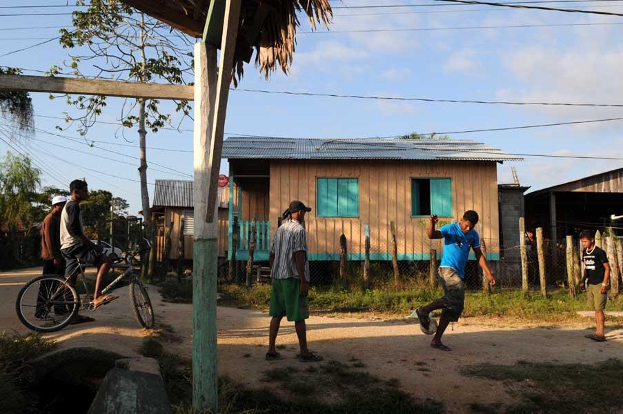 http://www.pablodelano.com/files/gimgs/14_hondurasweb7.jpg