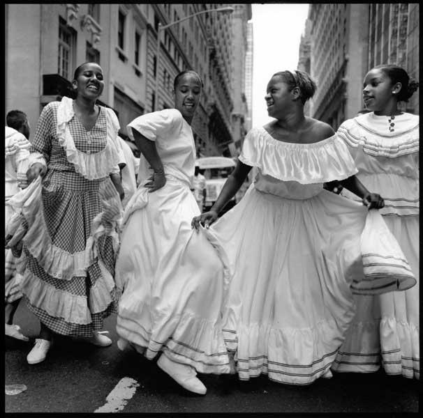 http://www.pablodelano.com/files/gimgs/7_dancers.jpg